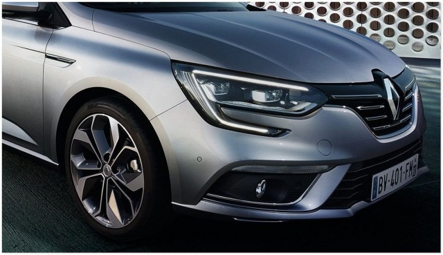 11-Renault-Megane-4