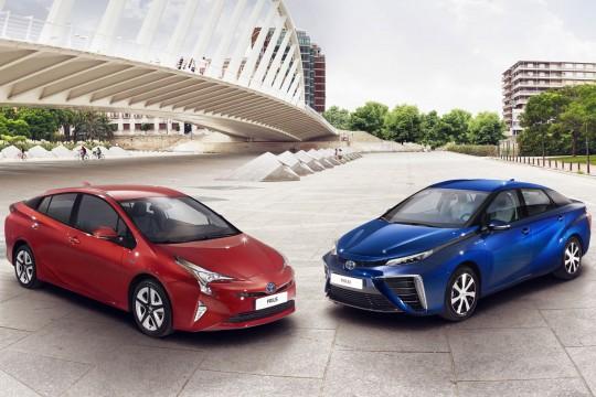 Toyota_Prius_2015_1f5ee-540-360