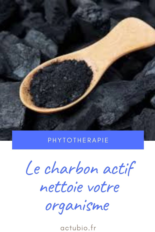 Le charbon actif est un remède naturel pour nettoyer l'estomac et purifier son intérieur