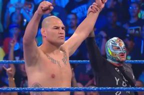 Cain-Velasquez-Rey-Mysterio-WWE