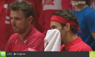 photo du double Suisse en discussion Roger Federer Stan Wawrinka