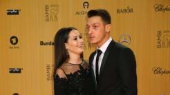 Mandy Capristo et Mesut Özil de nouveau en couple