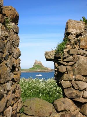 A glimpse of a castle