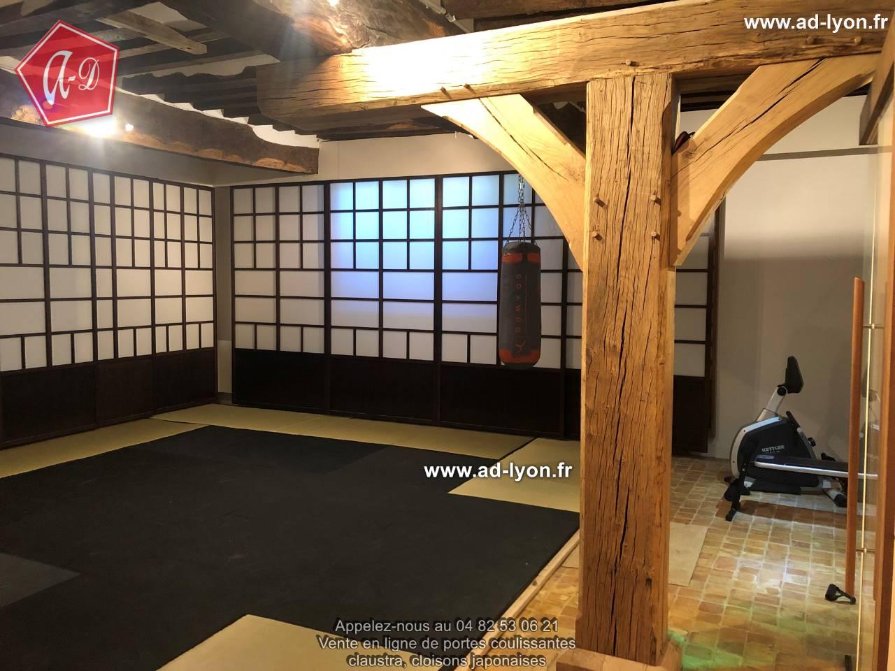 se faire un dojo chez soi avec de vrais panneaux japonais