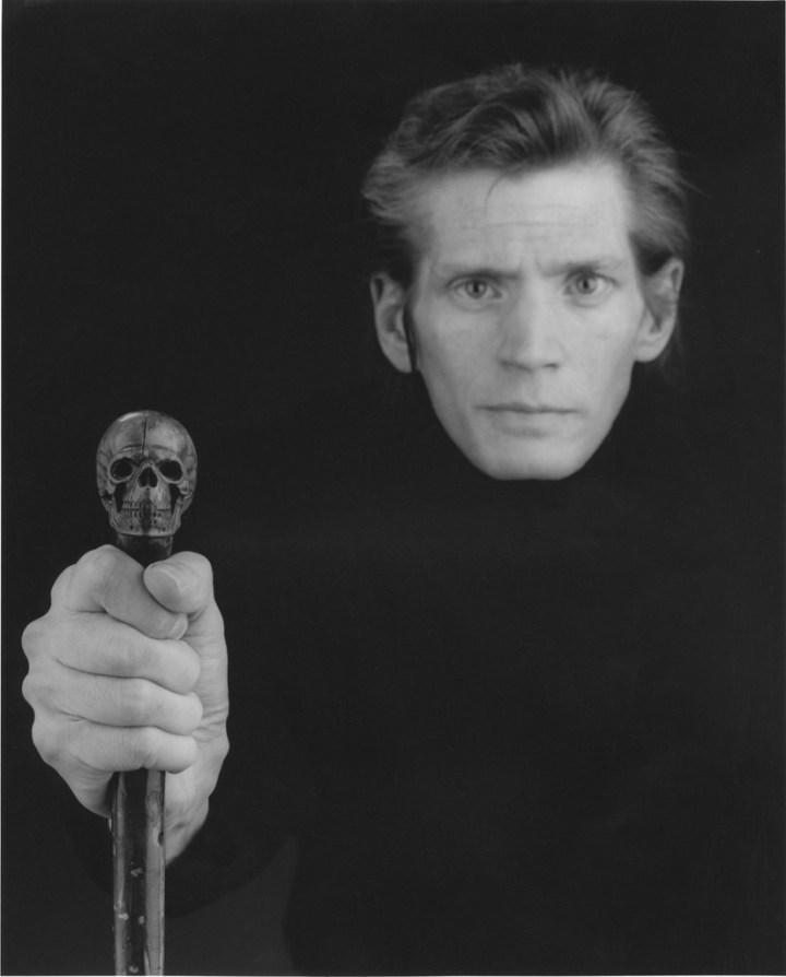 Robert Mapplethorpe, Self-portrait, 1988, 64,9 x 50,8 cm. © Robert Mapplethorpe Foundation. Used by permission