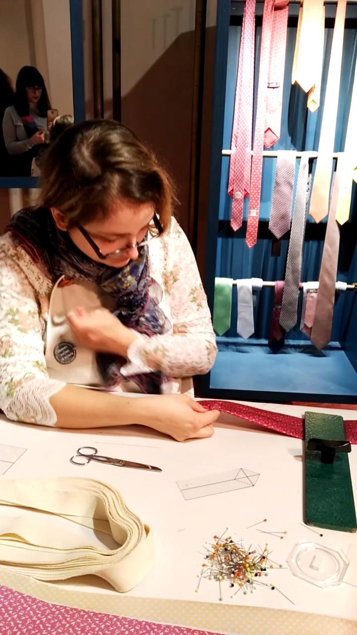 La confezionatrice delle cravatte, Hermès dietro le quinte, Museo dell'Ara Pacis