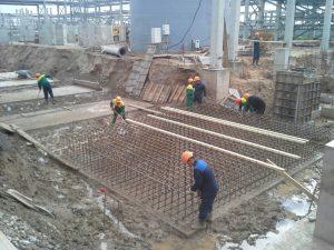 zalivka_fundamenta_kinef-300x225 Промышленное строительство и проектирование
