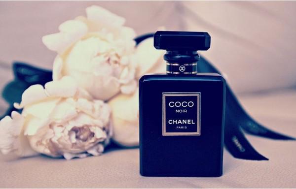 Coco_Chanel_Noir_Vault_magazine_perfume