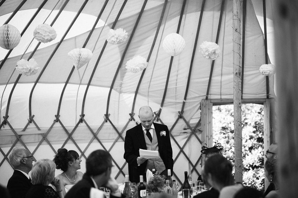 Documentary wedding photography_0079