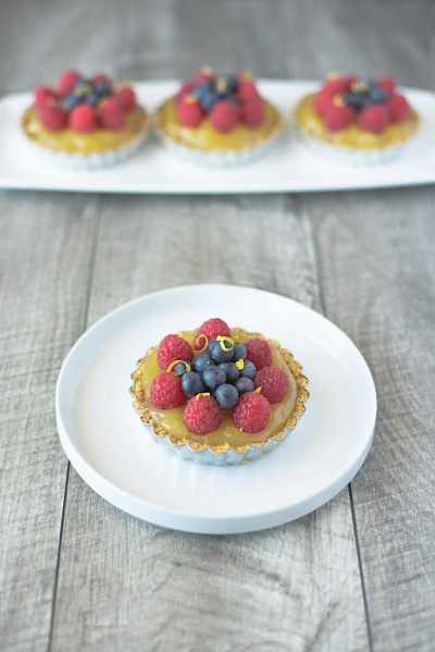 NO BAKE BERRY LEMON TARTLETS
