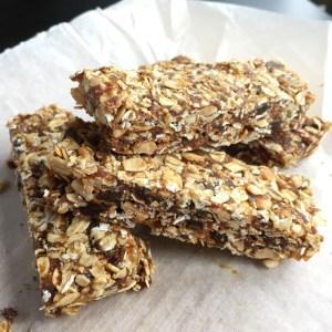 Simple Nutty Granola Bars