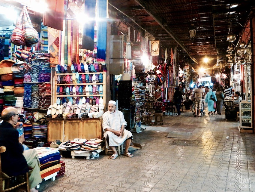 souk-marrakech-by-night