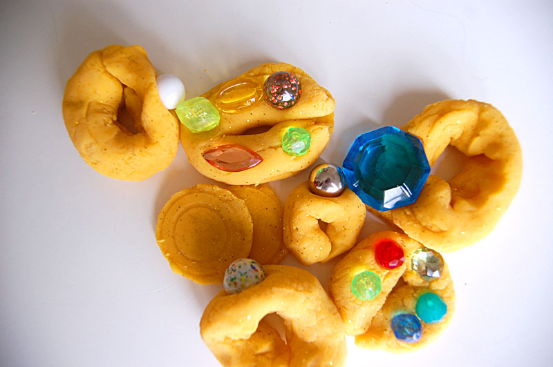 playdough jewelry1
