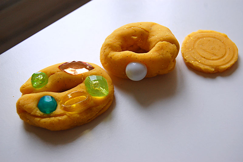 playdough jewelry3