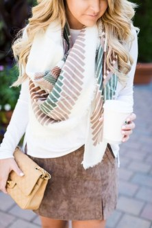 Modest But Classy Skirt Outfits Ideas Suitable For Fall19