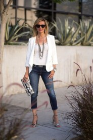 Amazing Looks For Over 40 Women Inspiration25