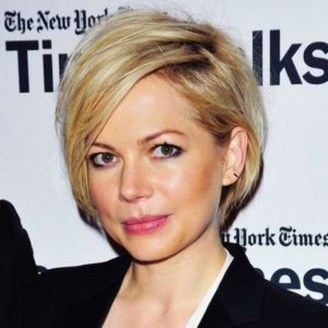 Chic Short Hairstyle To Copy Right Now17
