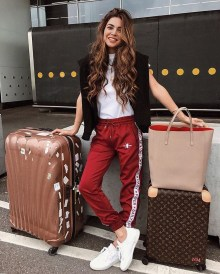 Classic And Casual Airport Outfit Ideas04