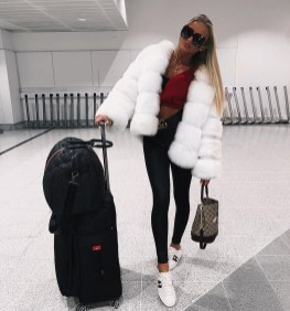 Classic And Casual Airport Outfit Ideas10