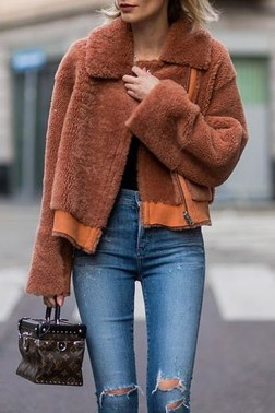 Cute Forward Fall Outfits Ideas To Update Your Wardrobe06