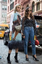 Cute Forward Fall Outfits Ideas To Update Your Wardrobe30