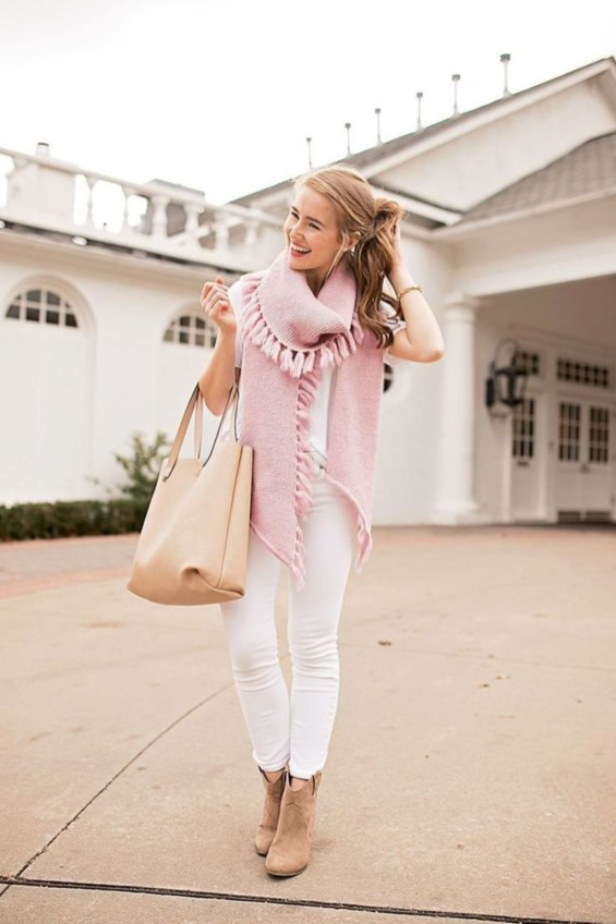 Cute Winter Outfits Ideas To Copy Right Now38