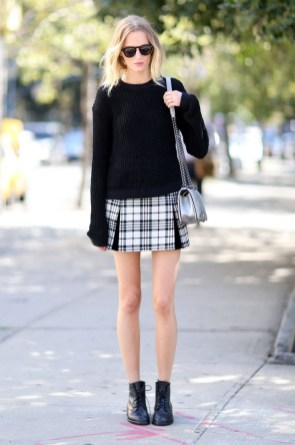 Fabulous And Fashionable School Outfit Ideas For College Girls36