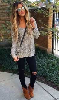 Stunning Fall Outfits Ideas To Update Your Wardrobe04