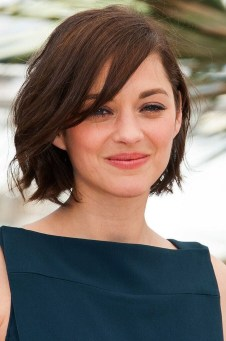 Awesome Haircuts Ideas For Round Face25
