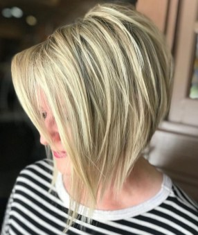 Cute Layered Bob Hairstyles Ideas18