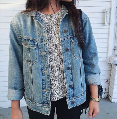 Delightful Winter Outfits Ideas Denim Jacket07