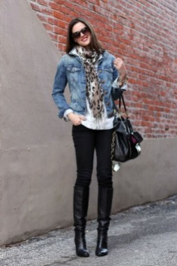 Delightful Winter Outfits Ideas Denim Jacket14