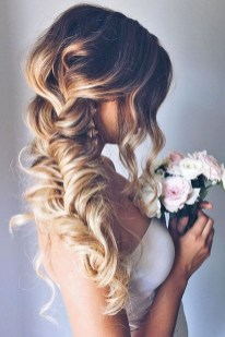 Perfect Wedding Hairstyles Ideas For Long Hair20