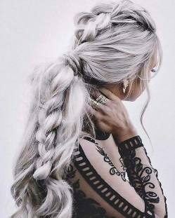 Perfect Wedding Hairstyles Ideas For Long Hair29