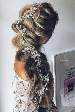 Perfect Wedding Hairstyles Ideas For Long Hair34