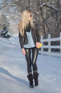 Popular Winter Outfits Ideas Leather Leggings13