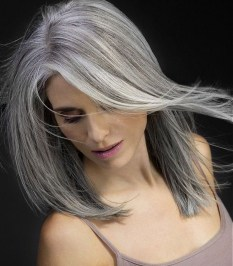 Pretty Grey Hairstyle Ideas For Women05