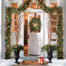 Affordable Winter Christmas Decorations Ideas03