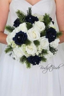 Casual Winter White Bouquet Ideas32