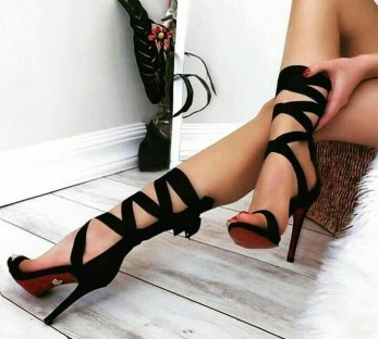 Charming Christmas Heels Ideas For Cute Women09