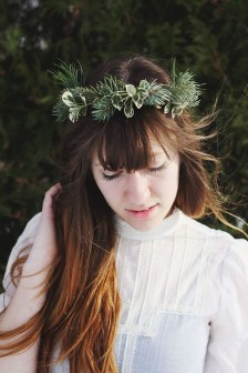Charming Diy Winter Crown Holiday Party Ideas18