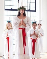 Charming Diy Winter Crown Holiday Party Ideas27