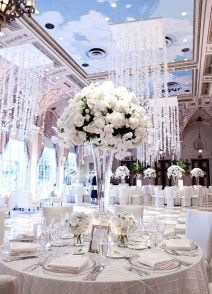 Classy Winter Wonderland Wedding Centerpieces Ideas01