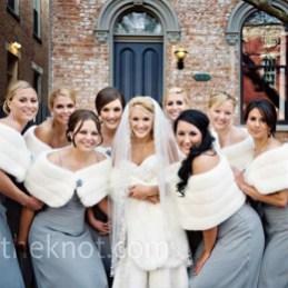 Fabulous Winter Wonderland Wedding Dresses Ideas19