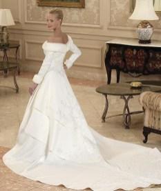 Fabulous Winter Wonderland Wedding Dresses Ideas30