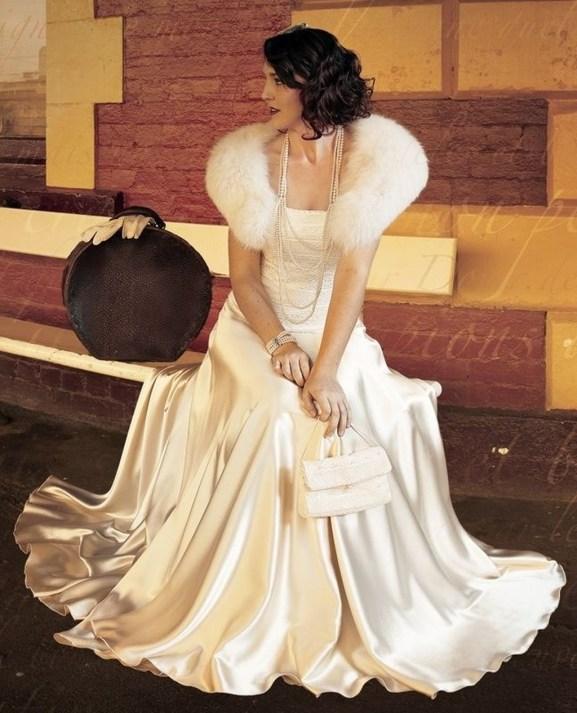 Fabulous Winter Wonderland Wedding Dresses Ideas37