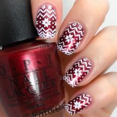 Modern Christmas Nails Ideas28