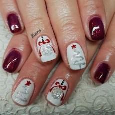 Modern Christmas Nails Ideas29