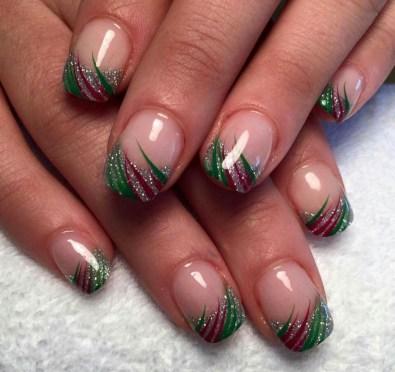 Modern Christmas Nails Ideas37