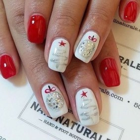 Modern Christmas Nails Ideas39